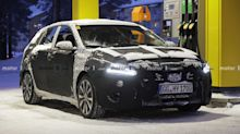 Hyundai i30 facelift spied inside and out on a snowy day