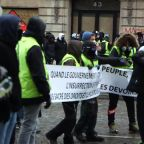 """Yellow vest"" protests erupt for fifth week in Paris"