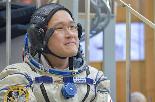 Astronaut apologizes for 'fake news' about his height increase