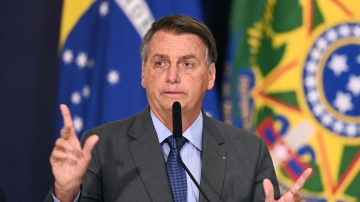 Bolsonaro diz que STF cometeu 'crime' e propaga 'fake news'