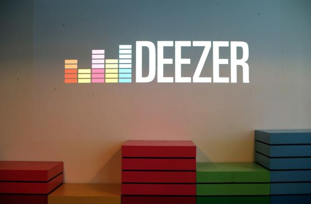 Deezer's new app serves up 30,000 radio stations for free