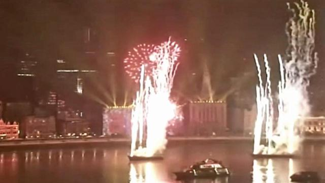 Shanghai rings in New Year with fireworks