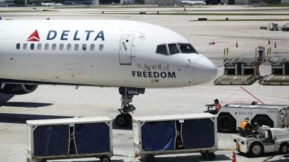 Delta fined for removing 3 Muslim passengers