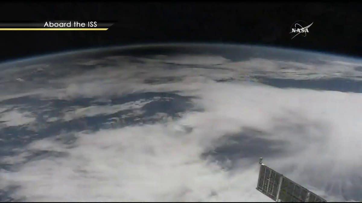 lunar eclipse space station - photo #43