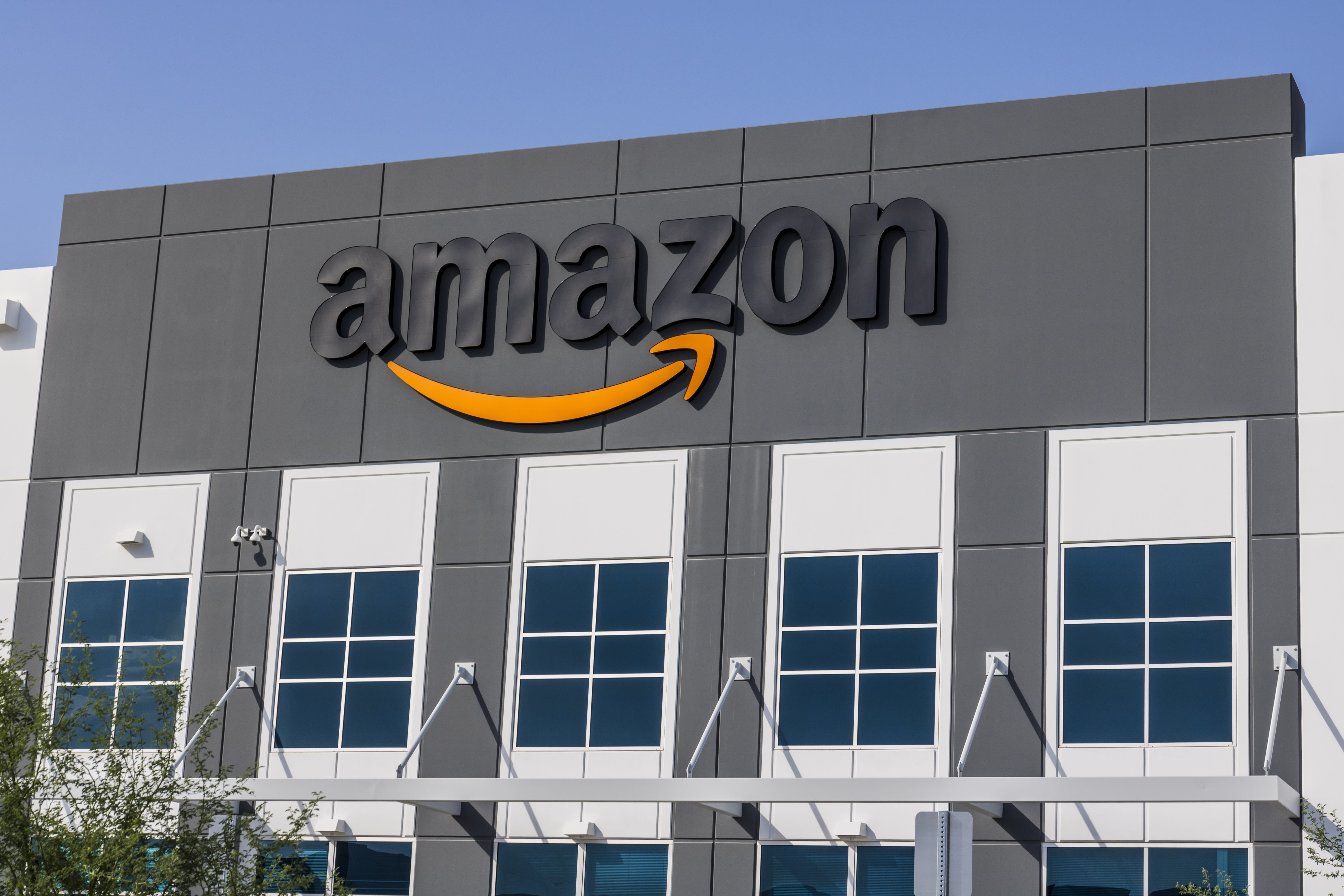 Amazon buying stake in YES Network in a $3.47 billion deal
