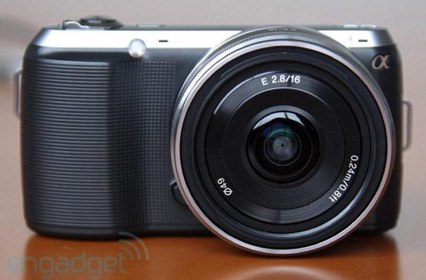 Sony NEX-C3 hands-on (video)