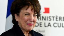 """Roselyne Bachelot veut """"desserrer"""" les contraintes sanitaires dans les salles de spectacle"""
