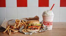 Five Guys超人氣漢堡店登陸灣仔!大量配料自由配搭組出自家漢堡!有甚麼必食推介?