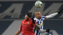 Foot - POR - Le FC Porto et Benfica restent à quatre points du Sporting après un nul dans le Classico