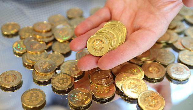 Former feds in Silk Road case stand accused of stealing bitcoins