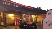 Pregnant mum refused service at restaurant for wearing crop top