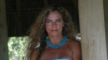Bruna Lombardi surpreende com foto na praia