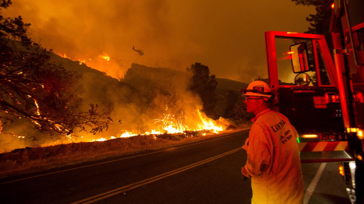 'Explosive' wildfire forces evacuations in L.A. County