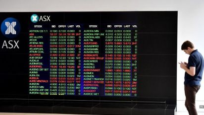 Share market rises to a 10-year high