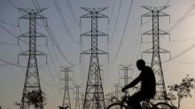 Autoridades brasileiras dizem que sistema elétrico está seguro após maior apagão desde 2009