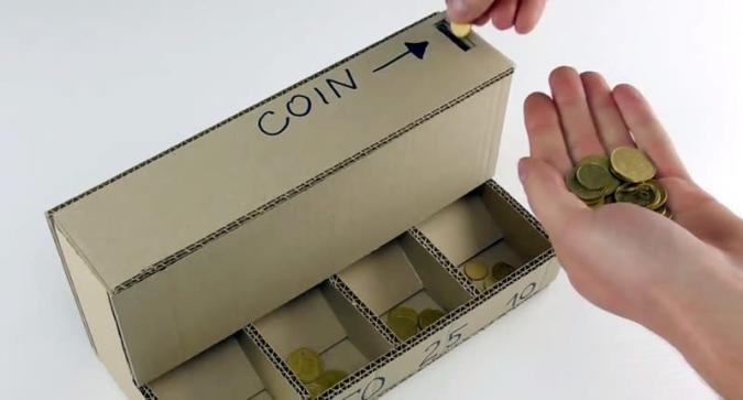 So baut man eine Münzsortiermaschine aus Pappe