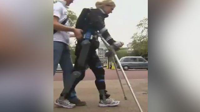 Paralyzed woman finishes marathon in bionic suit