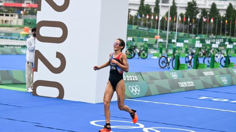 JO-2020: l'équipe de France de triathlon médaillée de bronze en relais mixte