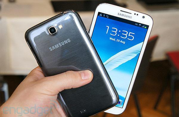 Samsung Galaxy Note II launches on three carriers in Korea