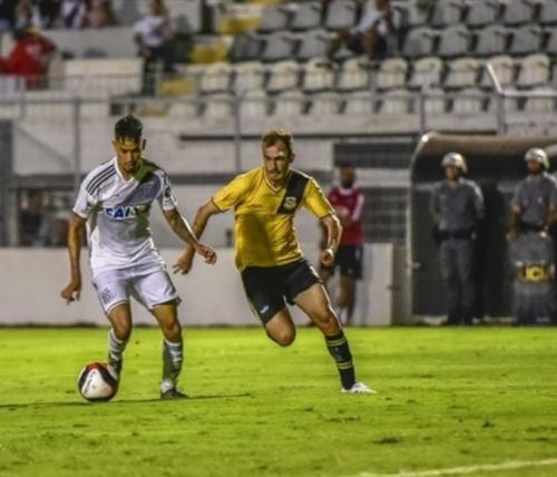 Lateral do Bernô pede entrega total contra o São Paulo: 'Jogo da vida'