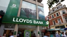 Lloyds investors rebel against bonus plan for top bosses
