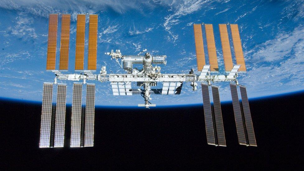 Space station crew woken up to hunt for air leak – Yahoo News Australia