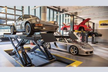 超跑停產後不該淪為孤兒! Porsche仍持續對Carrera GT進行教育訓練!