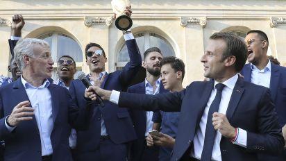 Victoire des Bleus : Macron, une communication 2 étoiles