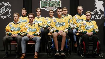 Humboldt crash survivors attend NHL awards