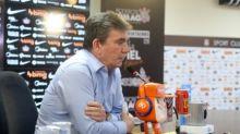 Andrés rechaça participação do elenco e revela o que o fez demitir Tiago Nunes: 'Mudei de opinião'