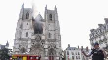 """Incendie de la cathédrale de Nantes : la région Pays de la Loire """"sera aux côtés de l'Etat pour la reconstruction"""", la Fondation du patrimoine lance une collecte"""