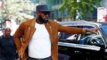Estrella de la NBA LeBron James emerge como potente fuerza política antes de elección de EEUU