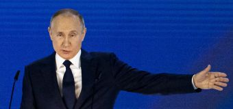 'I hope that no one dares to cross the red line': Putin