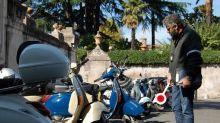 Tour senza autorizzazione, sequestrati 11 scooter sull'Aventino