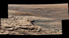 On the move: NASA's pictures from Mars show where Curiosity rover is headed next