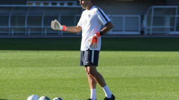 Foot - Bleus - Franck Raviot (équipe de France) assistera à OM-Angers