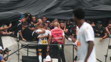 Apito Inicial #75 - A regra do futebol erra nas celebrações de gols?
