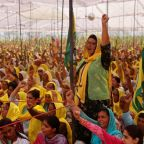 Thousands of women join Indian farmers' protests against new laws