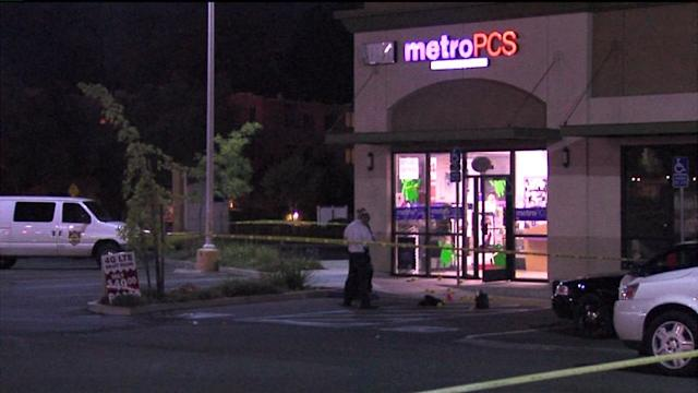 Man Dies of Unknown Causes After Barricading Self and Others in a metroPCS