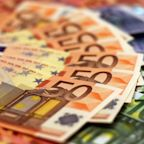 Euro Pauses Ahead of ECB Decision