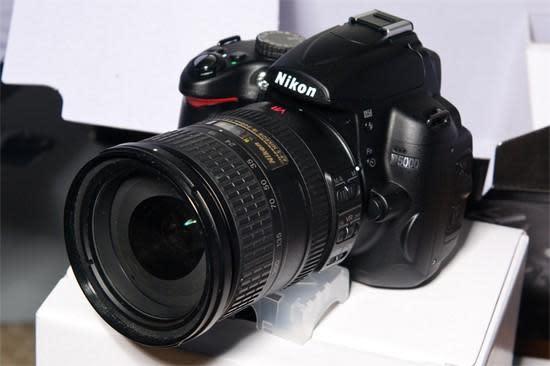 Nikon's D5000 DSLR unboxed ahead of schedule