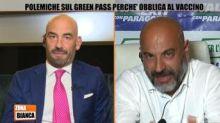 """Bassetti-Paragone, scontro su vaccini: """"Studia"""", """"Vai all'Isola dei Famosi"""""""