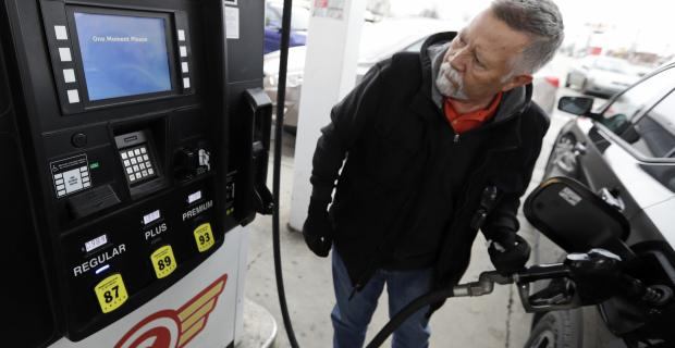 Gas prices fall below $2: Here's where to find the cheapest gas