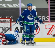 NHL roundup: Tanner Pearson's 2 late goals lift Canucks