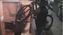 Viral, Komplotan Maling Gondol Dua Sepeda Cuma 3 Menit