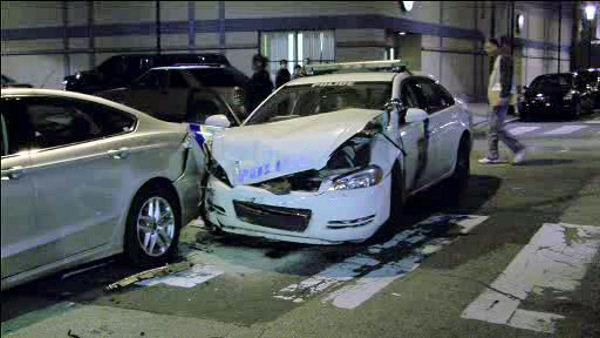 Phila. Police officer crashes cruiser in South Phila.
