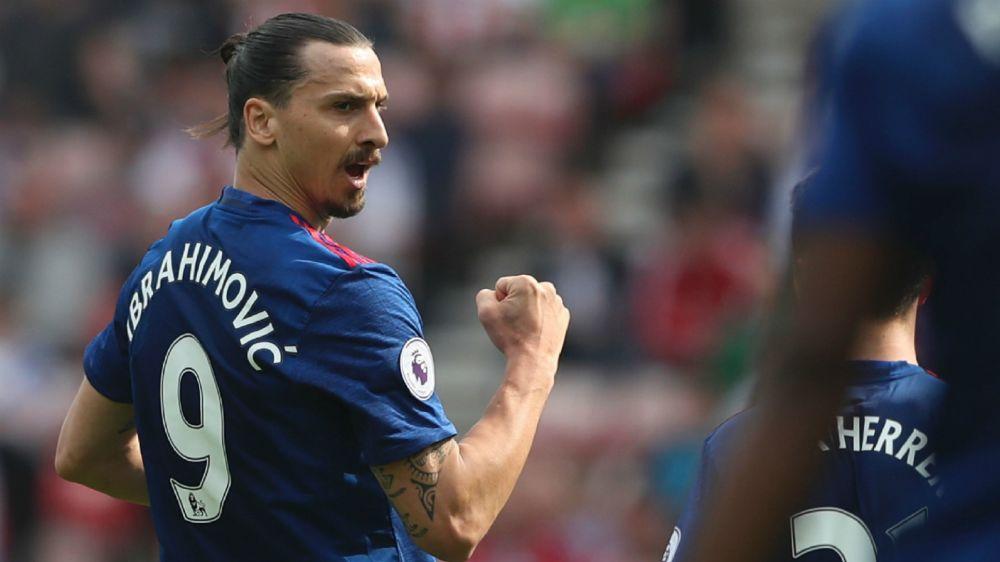 """Manchester United, Neville : """"Il y a toujours une place pour Zlatan"""""""