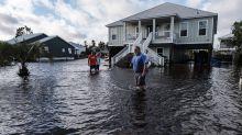 El gobernador no reporta muertos en Florida por Sally, pero augura destrozos
