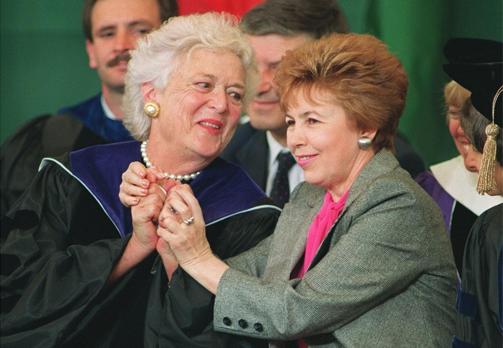 Former first lady Barbara Bush (L), shown here in 1990 with Raisa Gorbachev, the wife of Soviet President Mikhail Gorbachev, had an utter lack of pretense that some US lawmakers acknowledge is lacking in Washington today
