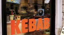 Vicenza, kebab e sexy shop via dal centro